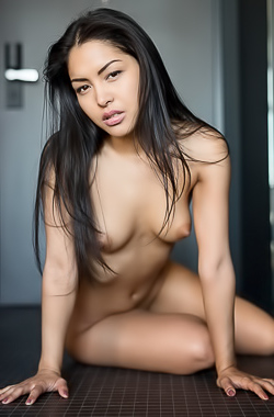 Delicious Young Playmate Chloe Rose