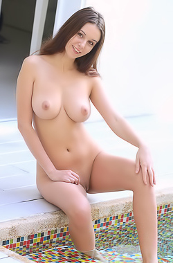 Young Busty Girl Alisa Amore Shows Tits