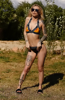 Saskia Valentine Getting Naked Outdoors
