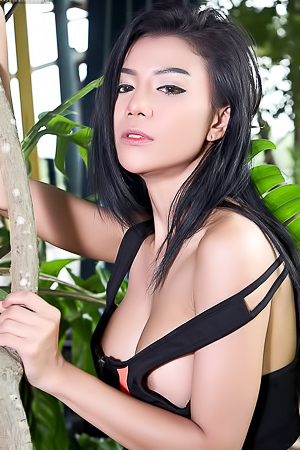 Gorgeous Asian Aliyah Perfect Tits