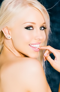 Brea Bennett Pet Of The Month December 2013