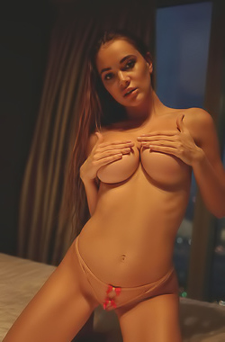 MelissaQ Glam Lady With Hot Big Boobs