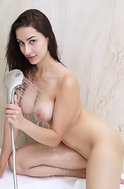 Angelina Socho Long Legs Spread Wide In The Tub