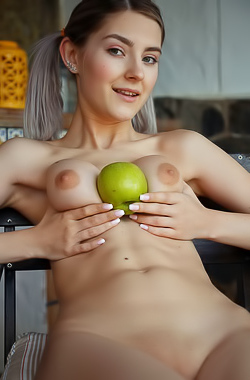 Eva Elfie - She has tits sweeter than a fresh apple from the tree