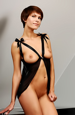 Suzanna A - Leggy hottie with short hair takes it all off