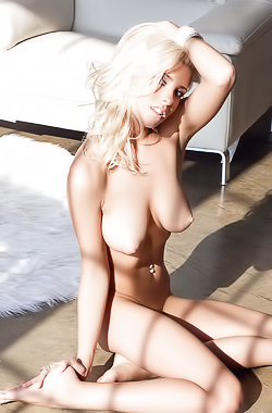 Alissa Arden is blonde model with smooth sexy body