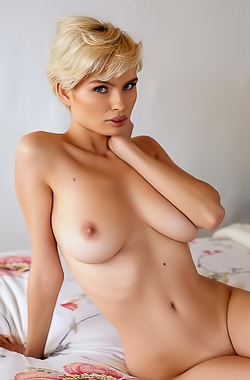 Hot Blonde Chick Julia With Nice Big Boobies