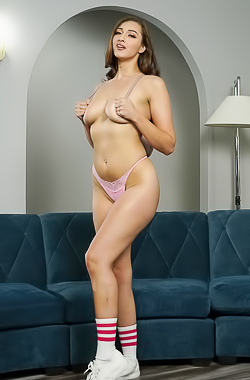 Bella Rolland Enjoys Massage Of Her Delicious Ass And Served With Anal Sex